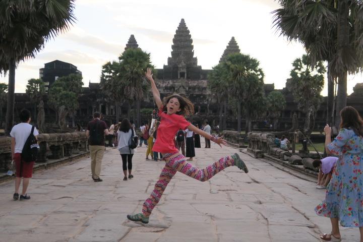 Emma à Angkor Wat à SIEM REAP au Cambodge